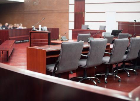 Un Juzgado en onde se celebran juicios a los que acuden abogados penalistas.